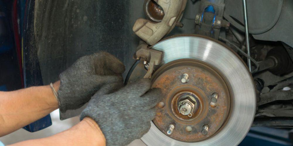 Plaquettes de frein, comment les remplacer au meilleur prix ?