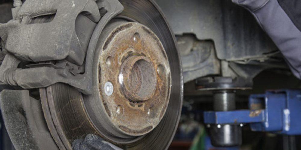Comment changer ses plaquettes de frein tout seul ?